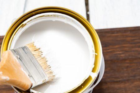 塗料の形成する塗膜によって家を守る外壁塗装